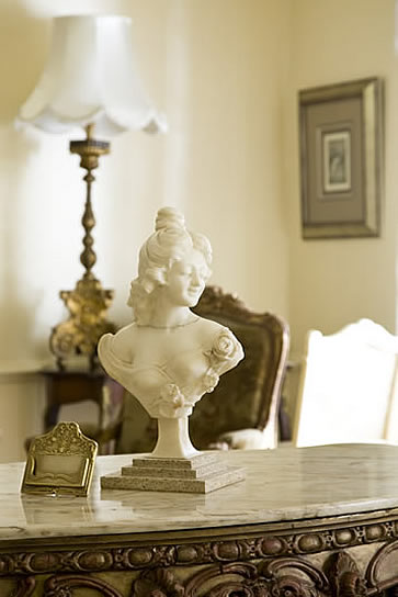 Illyria House Hotel, Pretoria, South Africa - bust
