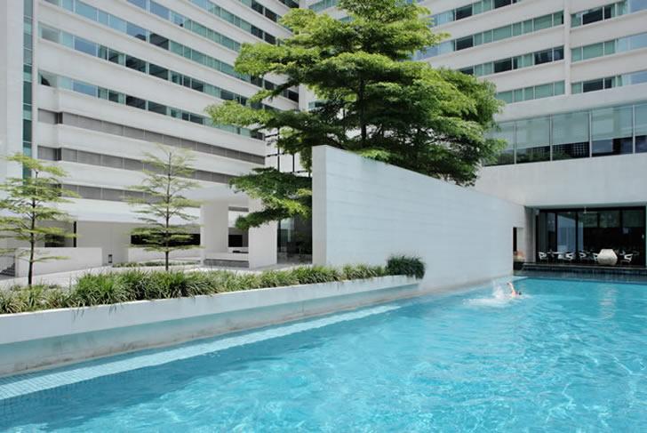 Metropolitan  Hotel, Bangkok, 20m swimming pool