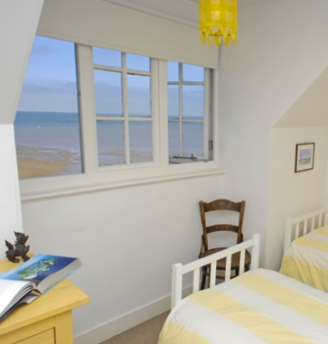 The Artist's Beach House, Whitstable - bedroom