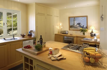 The Artist's Beach House, Whitstable - kitchen