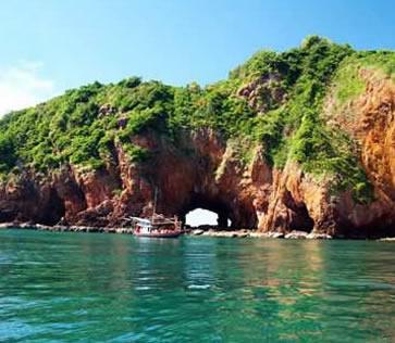Koh Talu Island Resort, Ban Saphan, Thailand - rock archway