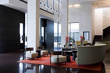 Metropolitan  Hotel, Bangkok,  hotel lobby