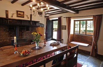 Cotswolds Manor, Shipston on Stour, England - kitchen table
