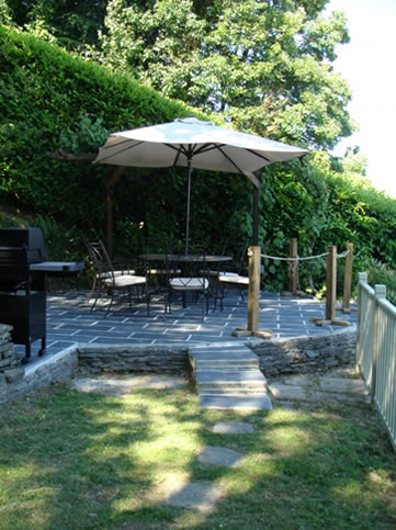 Waters Reach, Lerryn, Cornwall - terrace with barbeque