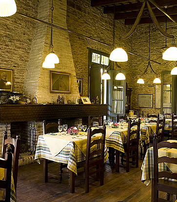Estancia El Ombu, San Antonio de Areco, Argentina - dining
