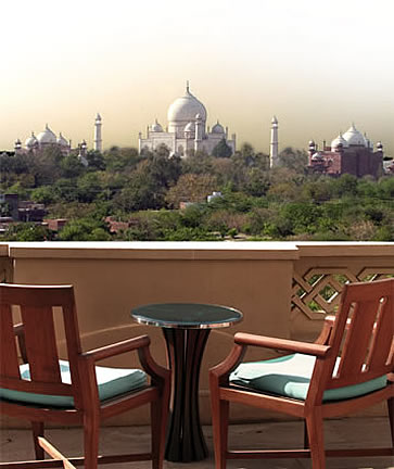 India, Agra, the Oberoi Amarvilas Hotel balcony view, photographer Steven Hummel