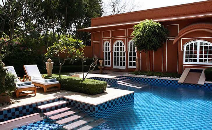 India, Jaipur, pool suite the Oberoi Rajvilas Hotel